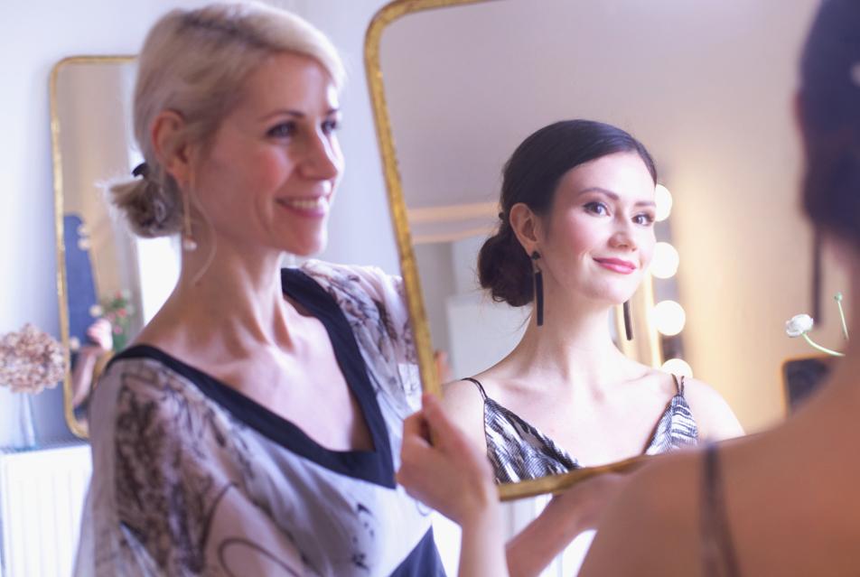 photo: nora scholz brautfrisur/brautmake up: uta stabler schmuck: atelier für einzelstücke dress: rembostyling calesco